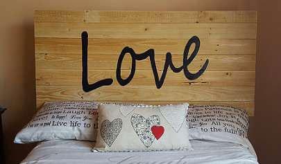 pallet-headboard-love